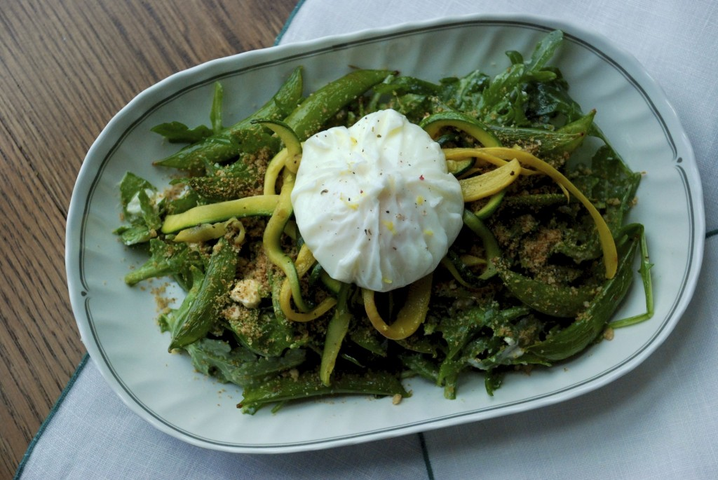 Arugula, sugar snap pea and poached egg salad 2