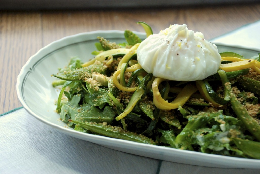 Arugula, sugar snap pea and poached egg salad 3