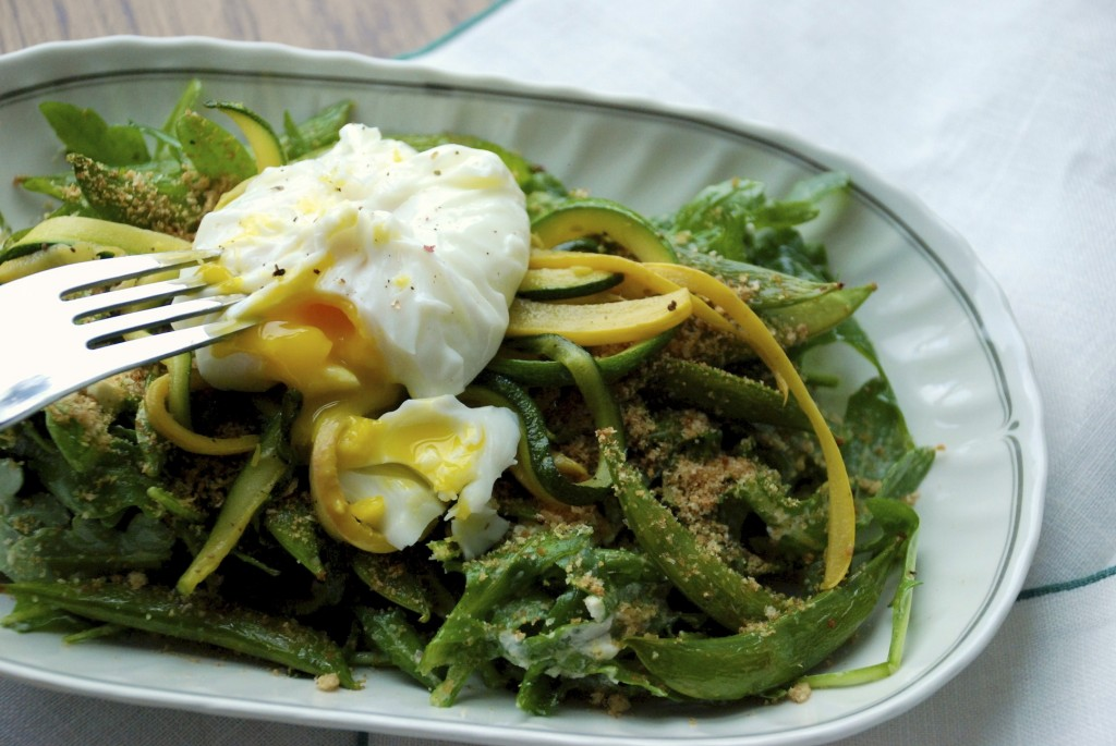 Arugula, sugar snap pea and poached egg salad 4