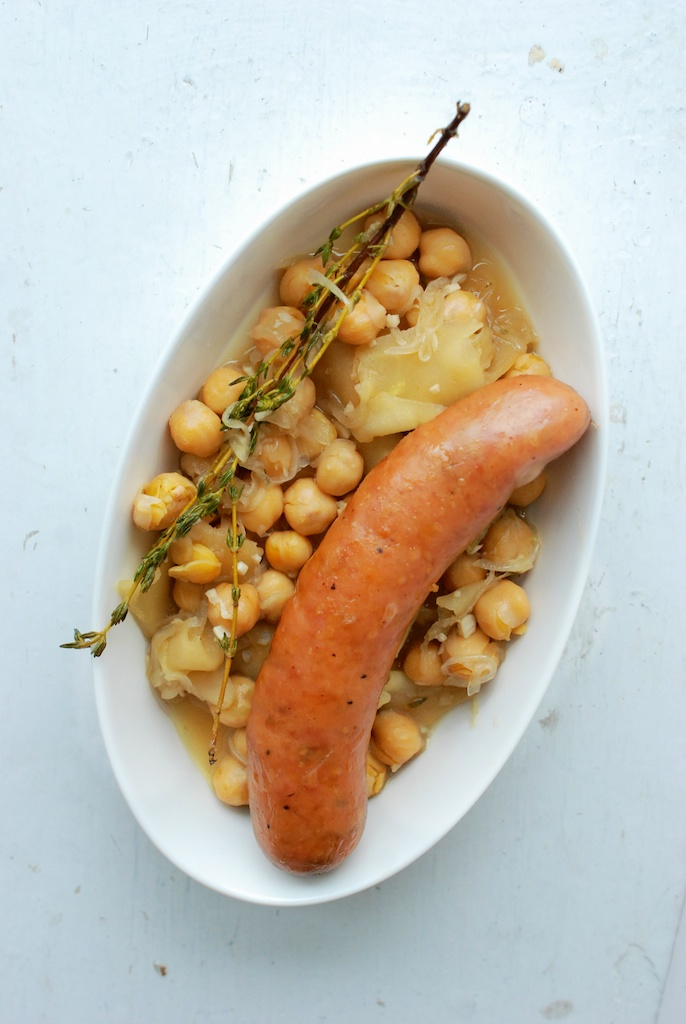 sausage with apples and garbanzos, final shot