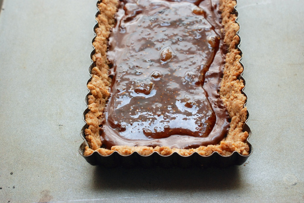chocolate and fig preserves in ginger crust