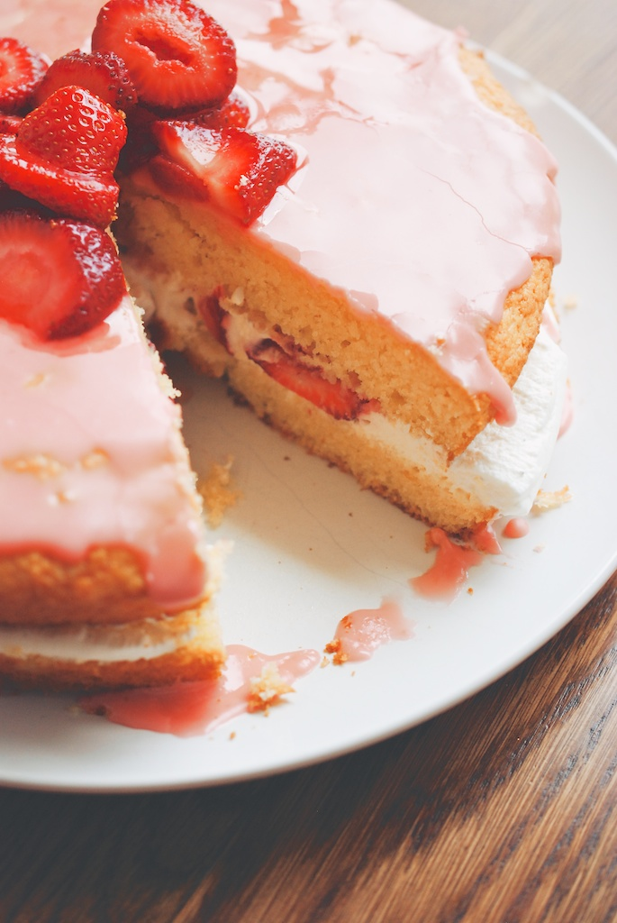 Cornmeal Cake with Mascarpone Cream and Strawberry Glaze, vertical