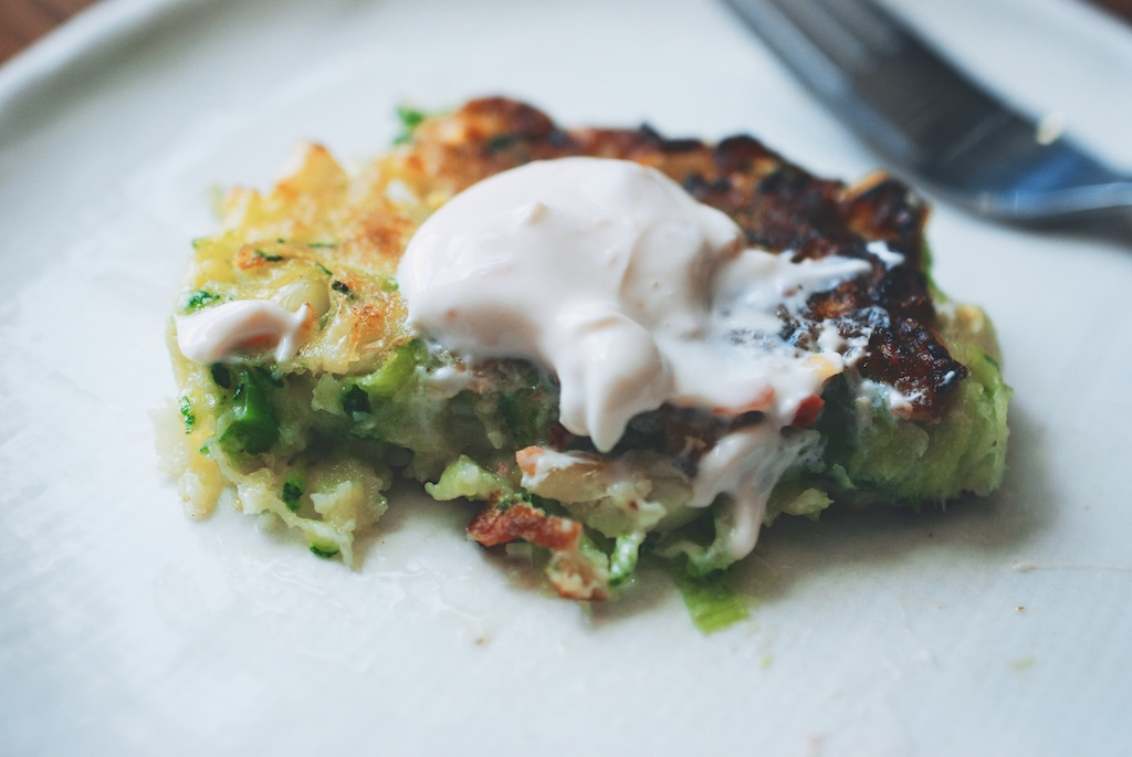 zucchini-corn fritters with sambal oelek cream