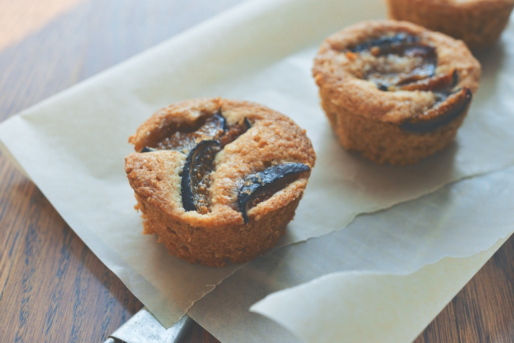 fig and hazelnut muffins