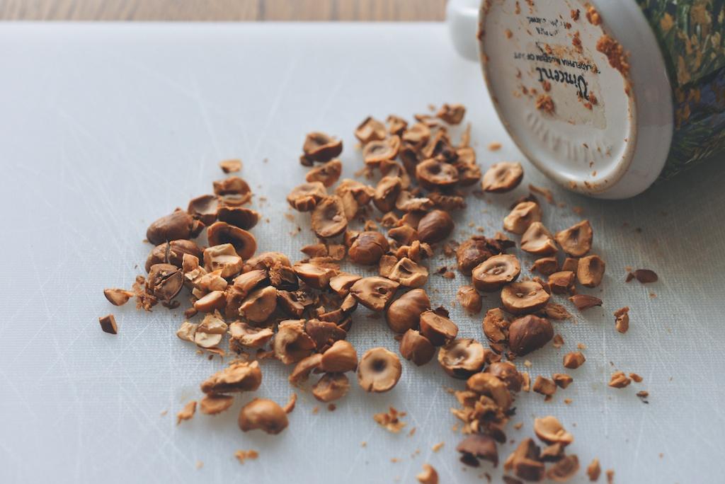toasted, crushed hazelnuts