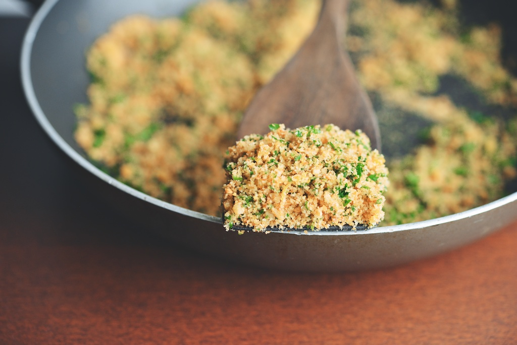 garlic, lemon, and parsley breadcrumbs