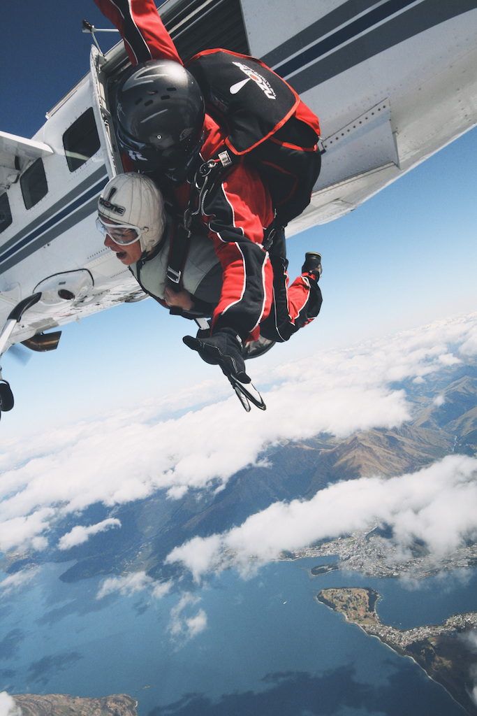 skydiving near Queenstown