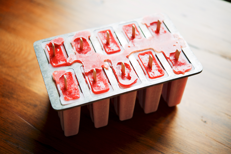 Strawberry-Negroni Popsicles | The Roaming Kitchen