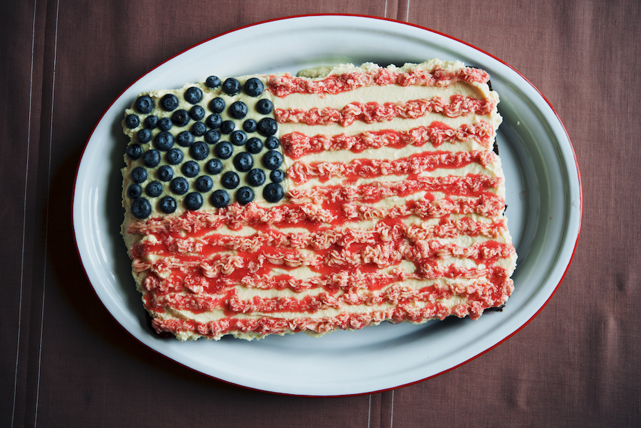 Forth of July Cake in France| The Roaming Kitchen